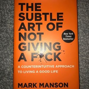 """""""The Subtle Art Of Not Giving A F*ck"""" 📙"""